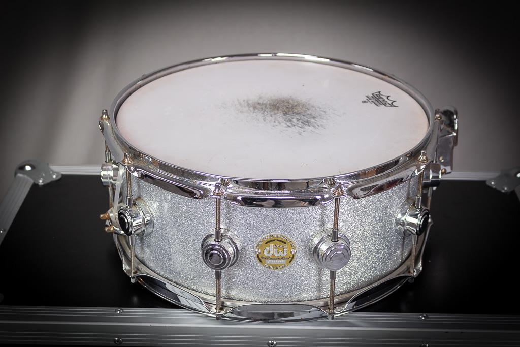 dw snare drum 14 x 5 silver broken glass complete tours. Black Bedroom Furniture Sets. Home Design Ideas