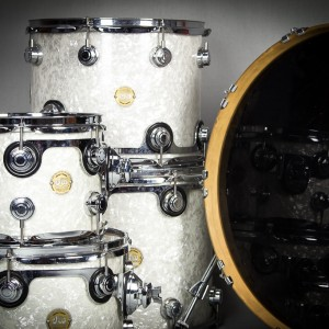 DW White Pearl Kit Close